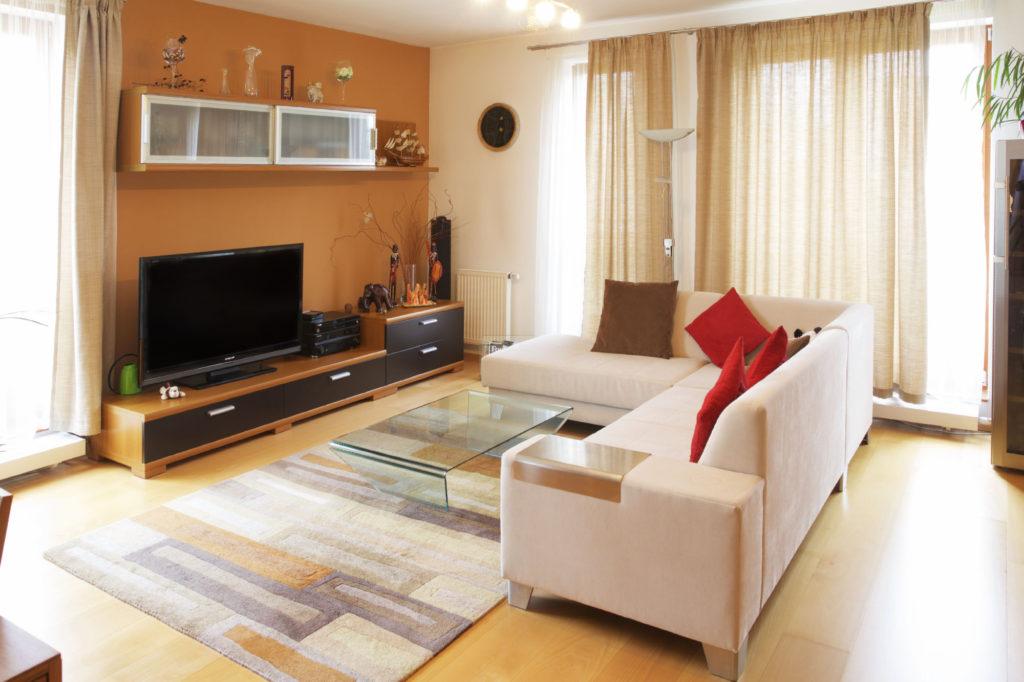 obývací pokoj přírodní barvy